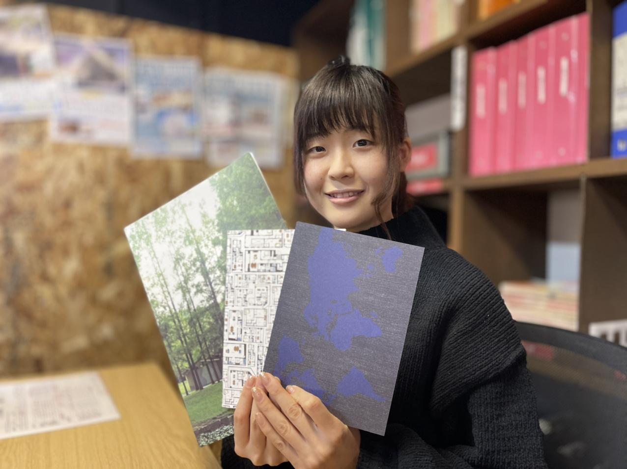 22卒採用パンフレット作成中!